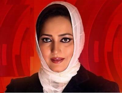 """""""ابو ظہبی ائیر پورٹ پر سیکیورٹی اہلکاروں نے نواز شریف کو اس شخص سے بھی ملنے نہ دیا """"نوازشریف کے ساتھ آنے والی خاتون صحافی عاصمہ شیرازی نے ایسی بات بتا دی کہ آپ بھی دنگ رہ جائیں گے"""