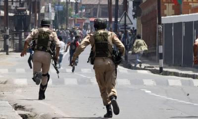 مقبوضہ کشمیر میں مسلح افرادکا حملہ،2بھارتی فوجی ہلاک،1زخمی