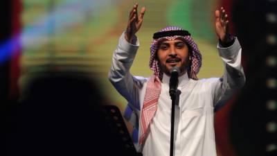معروف عرب گلوکار کے کنسرٹ کے دوران ایک لڑکی بھاگتی ہوئی سٹیج پر آئی اورسرعام ایسی شرمناک حرکت کردی کہ فوری گرفتار کرنا پڑگئی کیونکہ۔۔۔