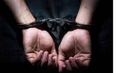 حساس ادارے کے افسر بن کر پی ٹی آئی کیلئے ووٹ مانگنے والے تین جعلساز پولیس کے حوالے