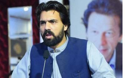 عمران خان سے تھپڑ کھانے کے بعد تحریک انصاف کے رہنما بھی میدان میں آگئے ،ایسی بات کہہ دی کہ آپ کی بھی ہنسی چھوٹ جائے گی