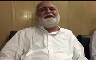 اکرم خان درانی کے قافلے پر فائرنگ، سابق وزیر اعلیٰ خیبر پختونخوا محفوظ رہے