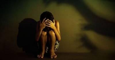 پولیس اہلکارکی گن پوائنٹ پر کینسر کی مریضہ سے3سال تک جنسی زیادتی