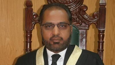 جسٹس شوکت صدیقی کے خلاف سپریم جوڈیشل کونسل کی کارروائی کا دوسرا دن ،بھری عدالت میں وکیل نے ایسی بات کہہ دی کہ ہر شخص ہکا بکا رہ گیا