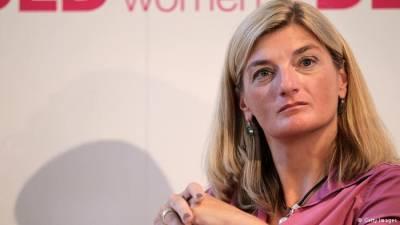 اس ملک کی خواتین کیسا کاروبار کرتی ہیں کہ حکومت ان کی حرکات سے خوش نہیں جان کر ۔۔۔