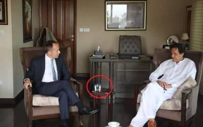 یکے بعد دیگرے مختلف ممالک کے سفیروں کی بنی گالہ آمد، وہاں عمران خان انہیں کھانے پینے کے لیے کیا پیش کرتے ہیں؟ جان کر ہر پاکستانی عش عش کر اٹھے گا