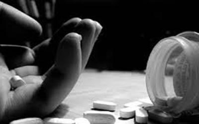 2خوکشیاں: موبائل کے استعمال پر بہن سے جھگڑا، لڑکی نے خود کشی کرلی
