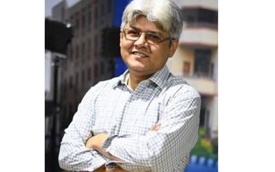 """""""پاکستانی میڈیا مردانہ کمزوری ۔۔""""معروف صحافی مبشر زیدی نے ایسی بات کہہ دی کہ آپ کی ہنسی نہ رکے گی"""