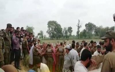 لاہور کےقریب پھلرواں گاؤں میں دو گروپوں میں تصادم، ایک ہی خاندان کے 5 افراد قتل