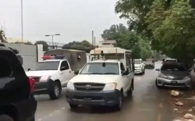 پشاور میں عمران خان کی گاڑی کیساتھ پروٹوکول کی کتنی گاڑیاں تھیں؟ حقیقت سامنے آ گئی، دیکھ کر آپ کو یقین نہیں آئے گا