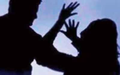 ''پرفارمنس'' کے لئے جانیوالے خواجہ سرائوں پر تماش بینوں کا حملہ، تشدد