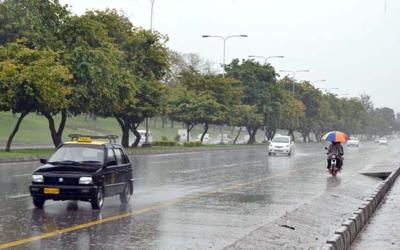 اسلام آباد راولپنڈی میں بارش سے موسم خوشگوارہوگیا