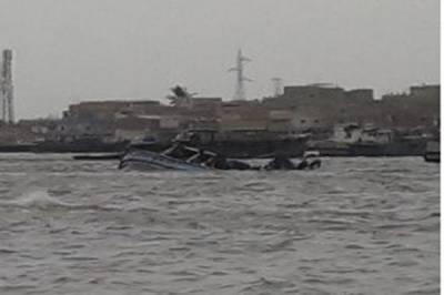 پاک بحریہ کا کراچی ہاربر میں ریسکیو آپریشن،22 افرادکو ڈوبنے سے بچا لیا