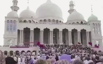 ہزاروں مسلمان چینی حکومت کے خلاف دھرنا دے کر بیٹھ گئے کیونکہ۔۔۔ چینی حکومت نے کیا کیا تھا؟ جان کر ہر مسلمان کا دل ٹوٹ جائے