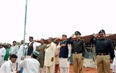 جشن آزادی، اندرون سندھ لوگ صبح صبح پرچم اٹھائے سڑکوں نکل آئے
