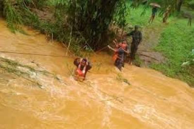 کیرالہ میں سیلاب سے 370لو گ ہلاک،7لاکھ بے گھر ،موذی امراض پھیلنے کا خطرہ پیدا ہو گیا