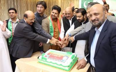 پاکستان تحریک انصاف کویت کے کھلاڑیوں کا عمران خان کے وزیر اعظم پاکستان بننے پر جشن کا اہتمام