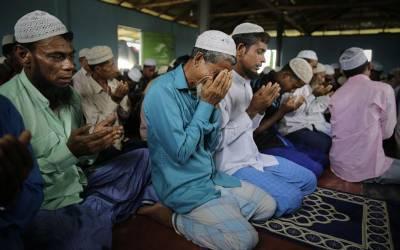 بنگلہ دیش میں لاکھوں روہنگیا مسلمانوں نے عارضی مہاجر کیمپوں میں عید کا پہلا روز کیسے گذارا ؟تفصیل جان کر ہر درد دل رکھنے والا مسلمان تڑپ اٹھے گا