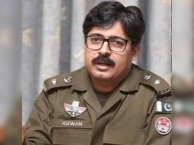 ڈی پی او پاکپتن کو پاکستان کی خاتون اول بشریٰ بی بی کے سابق شوہر خاورمانیکا کی گاڑیاں روکنے کی سخت سزا دیدی گئی