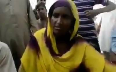 میاں چنوں میں وزیر اعلیٰ کے پروٹوکول کی وجہ سے بچی کی ہلاکت کا معاملہ، بچی کی ماں کا بیان بھی آگیا، ایسی بات کہہ دی کہ صحافیوں کو شرمسار کردیا