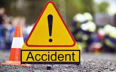 حیدرآباد:ٹرک اور مسافر وین کے درمیان تصادم کے نتیجہ میں7مسافرجاں بحق، 3زخمی