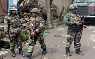 بھارتی قابض فوج نے مقبوضہ وادی میں نمازیوں کو مساجد میں جانے سے روکنے کے لئے ایسی شرمناک حرکت شروع کردی کہ جان کر آپ کے غصے کی انتہا نہیں رہے گی
