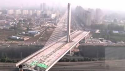 چین میں دنیا کا پہلا 100 ڈگری پر گھومنے والا پل تیار