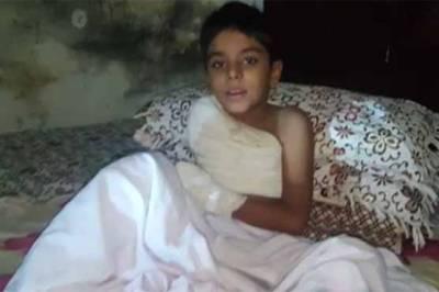 گجرات:بجلی کے تاروں نے 9سالہ بچہ عمر بھر کے لیے معذور کر دیا