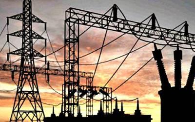 بجلی کا بحران نئی حکومت کیلئے سر درد ، عوام کی بھی چیخیں نکل گئیں