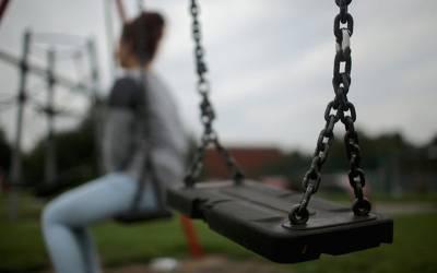 16 سالہ نوجوان لڑکی اور 100 پاکستانی۔۔۔ ایسی شرمناک ترین خبر آگئی کہ جان کر شیطان بھی شرما جائے