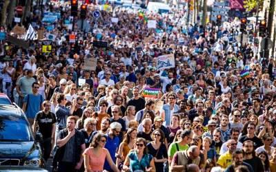 ماحولیاتی کانفرنس تعطل کا شکار ہونے پر دنیا بھر میں احتجاجی مظاہروں کا انعقاد