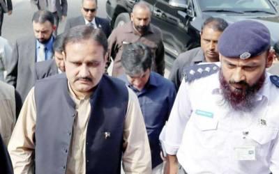 وزیراعلیٰ پنجاب کا بغیر پروٹوکول راولپنڈی کمشنر آفس، کچہری اور ریونیوکا اچانک دورہ، مسائلین کو دفتر کے باہر بٹھانے پر ڈی سی کی سرزنش