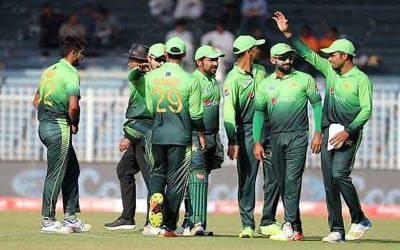 ایشیاکپ ،پاکستانی کرکٹ ٹیم متحدہ عرب امارات پہنچ گئی