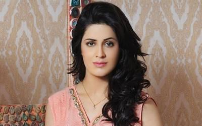 اداکارہ وماڈل ریچل خان نے ڈیم فنڈز میں ساڑھے تین لاکھ جمع کرادئیے