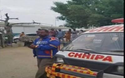 کراچی: ڈمپر , موٹر سائیکل کے درمیان تصادم کے نتیجہ میں3نوجوان جاں بجق