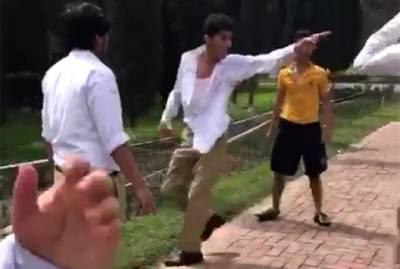 کشمالہ طارق کے بیٹے کی وہ لڑائی جس کی وجہ سے پرنسپل ایچی سن کالج کو استعفیٰ دینا پڑ گیا، لڑائی کی تہلکہ خیز ویڈیو سامنے آ گئی