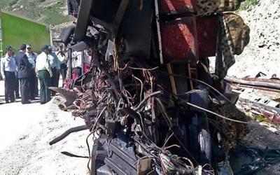 ایران میں آئل ٹینکر اور بس میں تصادم ،19 افراد ہلاک،درجنوں زخمی