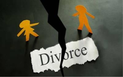 سپریم کورٹ کا فیصلہ معطل،بھارت کی کابینہ نے ایک ساتھ3 طلاقوں پر سزا کی منظوری دے دی