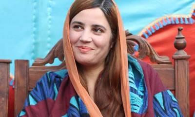 ٹی وی اینکر غریدہ فاروقی کی شکایت پروزیر مملکت زرتاج گل کیخلاف مقدمہ درج