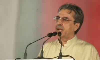 گاڑیاں یا بھینسیں نیلام کرنے سے حکومتیں نہیں چلتیں : عامر خان