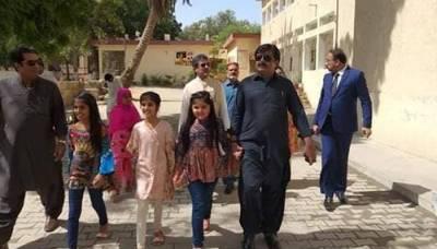 وہ وزیر جس نے اپنی بیٹی کو سرکاری سکول میں داخل کرادیا، نئی تاریخ رقم کردی