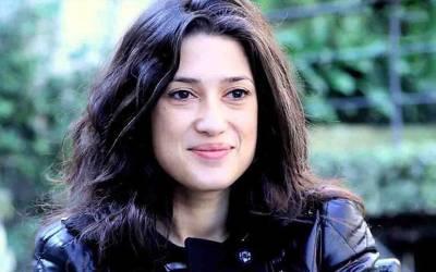 فاطمہ بھٹو وزیراعظم عمران خان کے خلاف میدان میں آ گئیں
