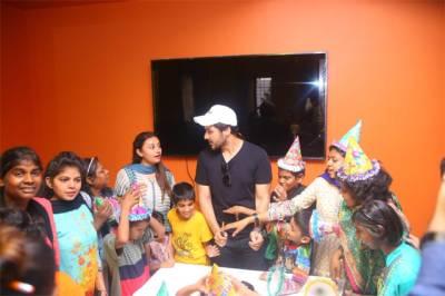 احسن خان کی سالگرہ منانے سپیشل بچوں کے پاس پہنچ گئے، تصاویر بھی سامنے آگئیں