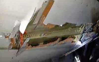 مسافروں سے بھرا ہوائی جہاز دیوار سے ٹکرا گیا لیکن پھر بھی 4 گھنٹے تک اُڑتا رہا اور پھر۔۔۔