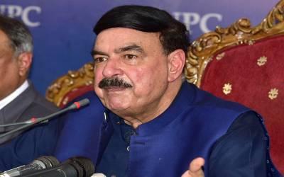 کراچی میں لوکل ٹرین چلانے کافیصلہ ، 100روز میں10 ٹرینیں چلانے کاوعدہ پوراکریں گے،شیخ رشید