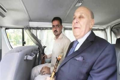 اومنی گروپ کے سربراہ انور مجید کاصاحبزادہ نمر مجید احاطہ عدالت سے گرفتار