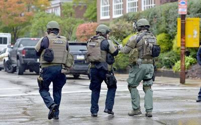 امریکہ میں یہودی عبادت گاہ میں فائرنگ،دو پولیس اہلکاروں سمیت 11 افراد ہلاک ، 12 سے زائد زخمی،دہشتگرد گرفتار