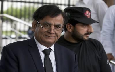 آسیہ بی بی کے وکیل سیف الملوک خاندان سمیت پاکستان چھوڑ گئے لیکن کیوں ؟ایسی وجہ بھی بتا دی کے پاکستانیوں کے ہوش اڑ جائیں گے