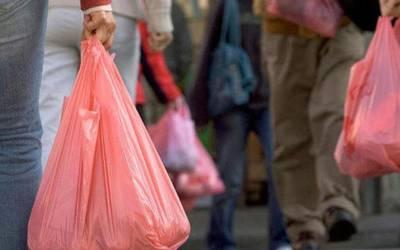 سندھ بھر میں پولی تھین بیگز کے استعمال پر پابندی لگانے کا فیصلہ