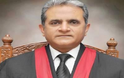 خاتون انصاف کیلئے ترس رہی ہے،71 سال گزر گئے سسٹم کو شرم آنی چاہئے،چیف جسٹس لاہورہائیکورٹ کے 71 سال پرانی جائیداد کیس میں ریمارکس